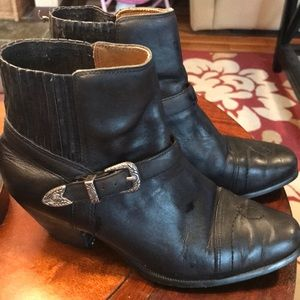 Dingo Black Ankle Boot With Buckle - Sz 6.5
